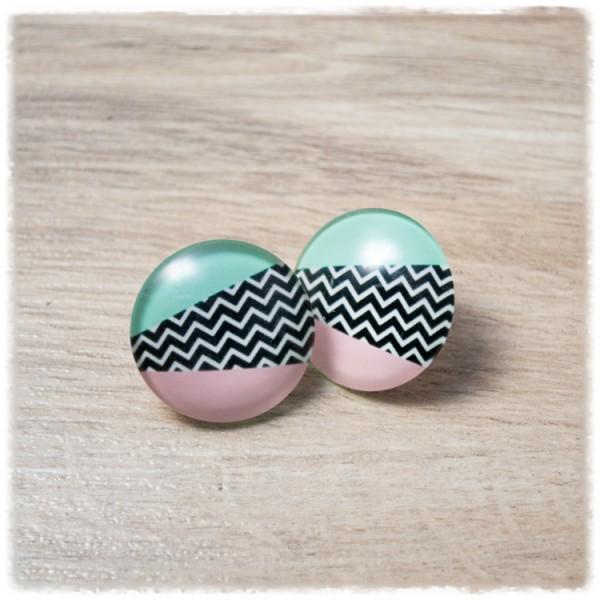 1 Paar Ohrstecker 16 mm schwarz weiß gezackt mit rosa und grünen Streifen (wahlweise als Ohrclips)