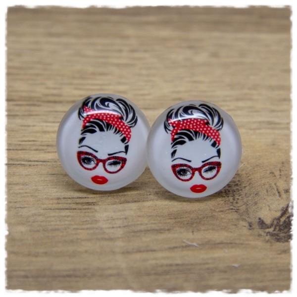 1 Paar Ohrstecker Mädchen mit rotem Haarband und Brille