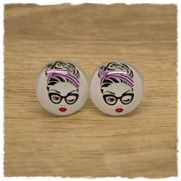 1 Paar Ohrstecker Mädchen mit lila Haarband