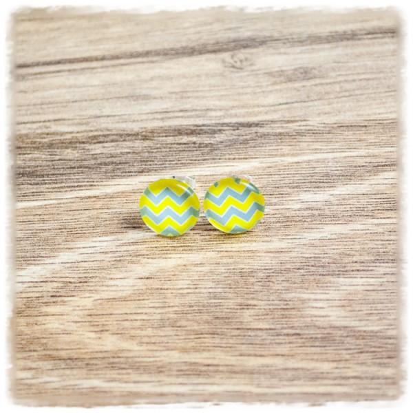 1 Paar Ohrstecker in 12 mm grün mit blau gezackten Streifen