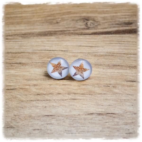1 Paar Ohrstecker in 12 mm mit Stern auf weißem Hintergrund