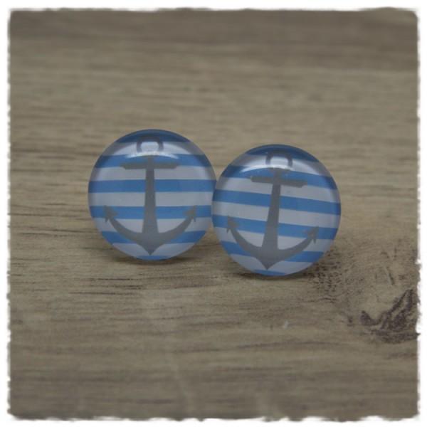 1 Paar Ohrstecker mit grauem Anker auf blau weißem Hintergrund