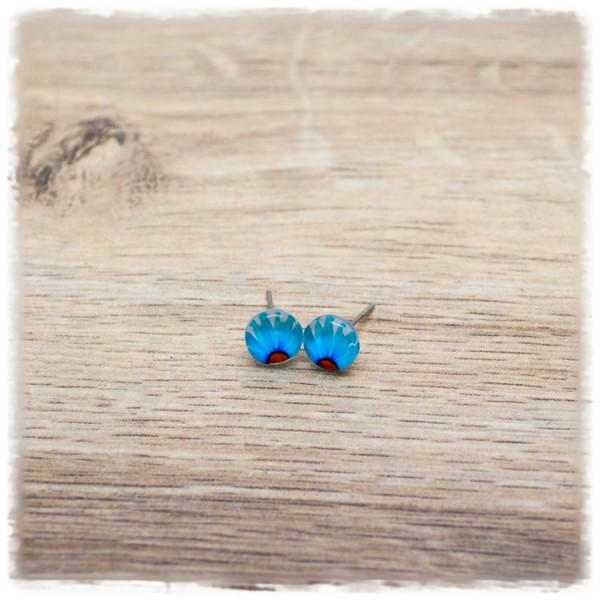 1 Paar Ohrstecker 8 mm mit blauer Blüte