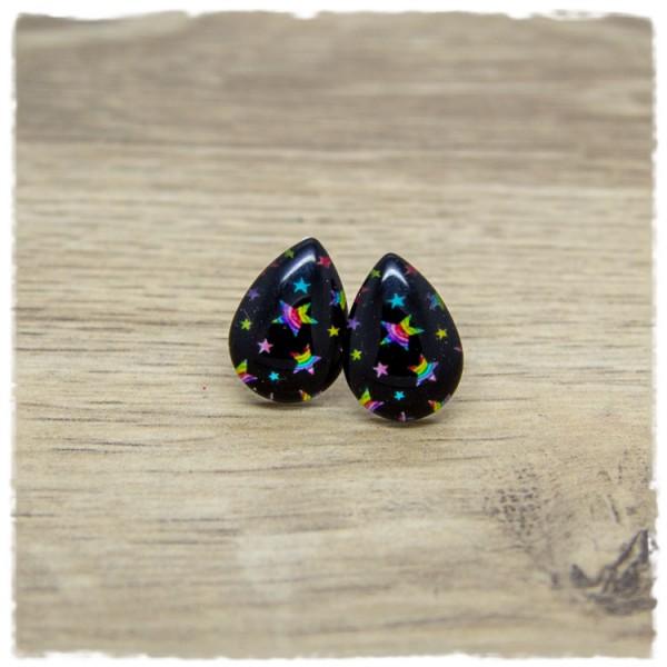 1 Paar kleine Ohrstecker in Tropfenform schwarz mit bunten Sternen
