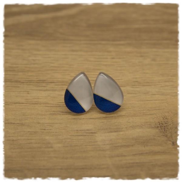 1 Paar kleine Ohrstecker in Tropfenform weiß und blau