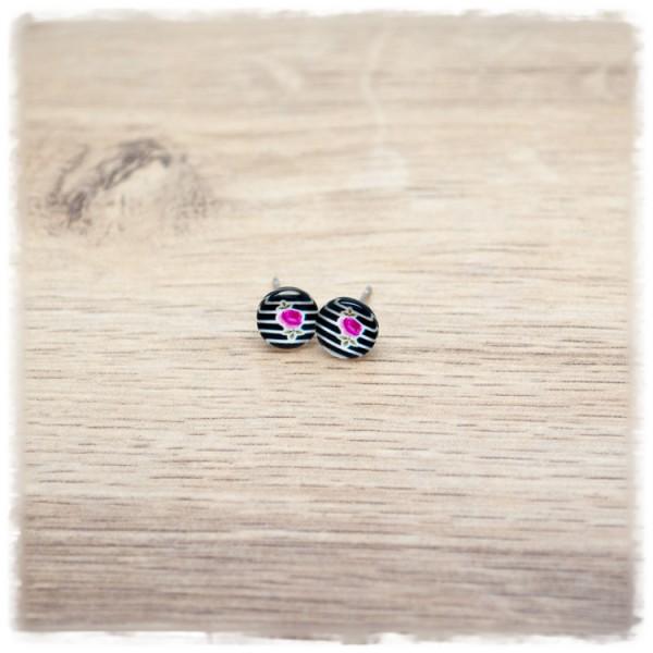 1 Paar Ohrstecker 8 mm mit Blüte und schwarz weißen Streifen