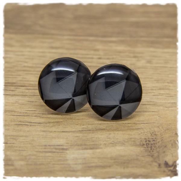1 Paar Ohrstecker mit grafischem Muster in grau und schwarz