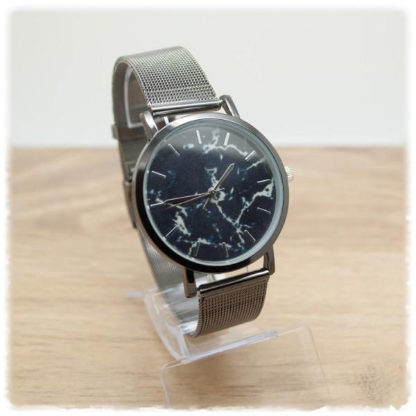 Armbanduhr gunmetal mit schwarzem Ziffernblatt