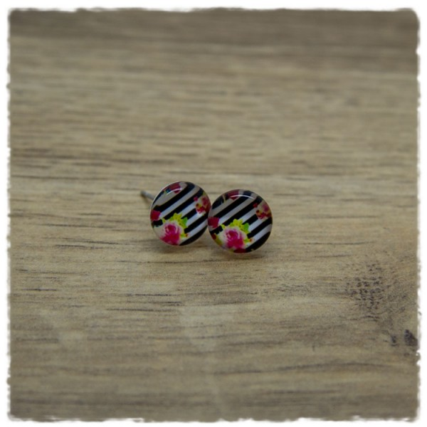 1 Paar Ohrstecker in 10 mm mit Rosen auf schwarzen und weißen Streifen