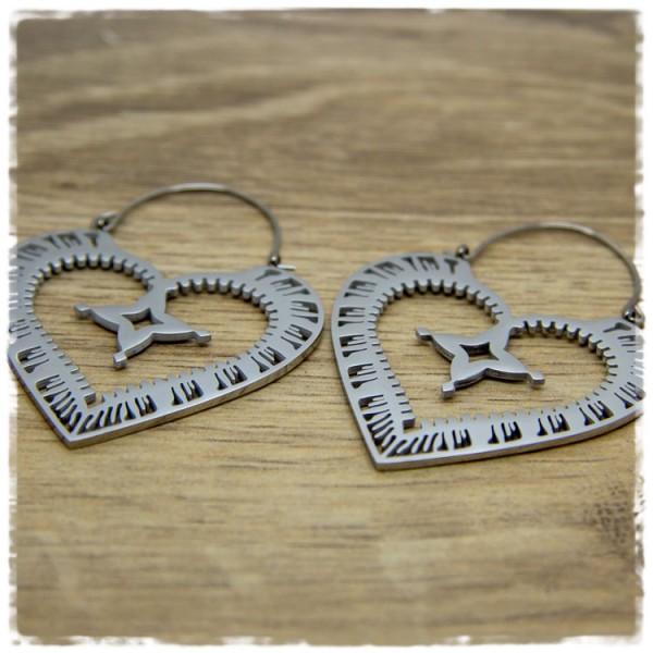 1 Paar Ohrhänger in 45 mm herzförmig silbern