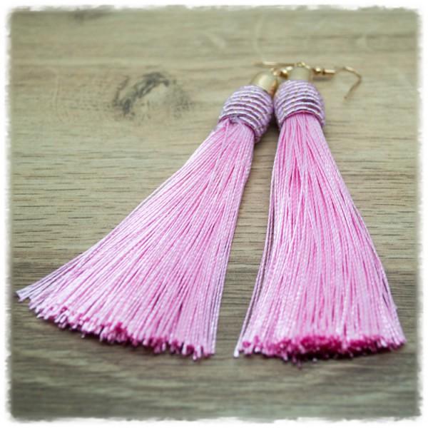 1 Paar Quastenohrhänger rosa
