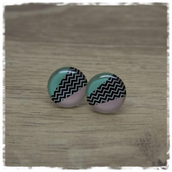 1 Paar Ohrstecker in 16 mm grün und rosa mit schwarz weißen Zacken