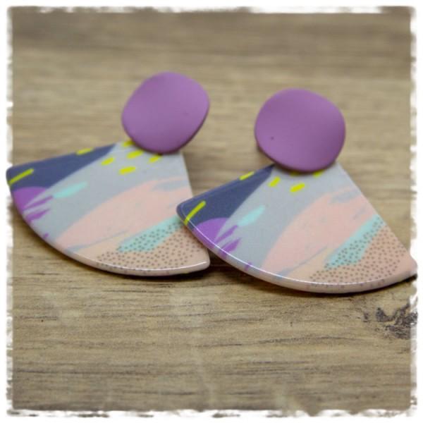 1 Paar Ohrhänger in 35 mm bunt gemustert und lila