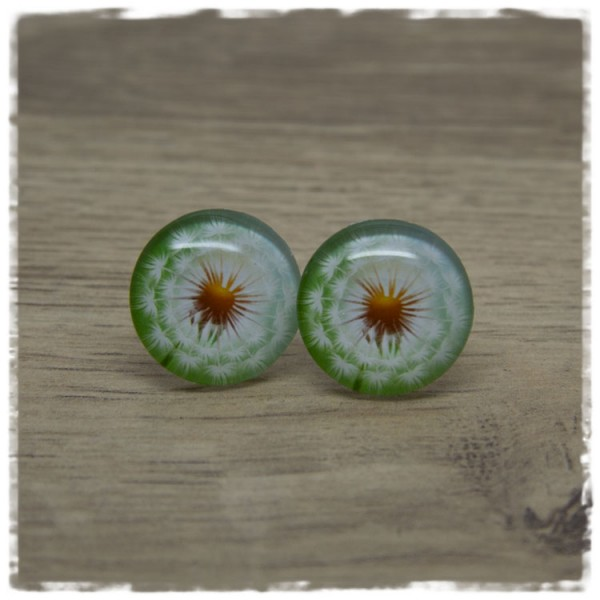 1 Paar Ohrstecker grün mit weißer Pusteblume