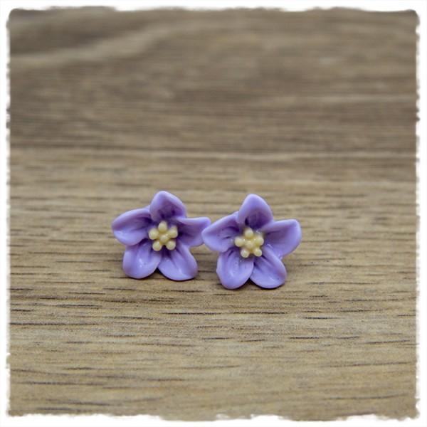 1 Paar Ohrstecker in 12 mm flieder Blüte