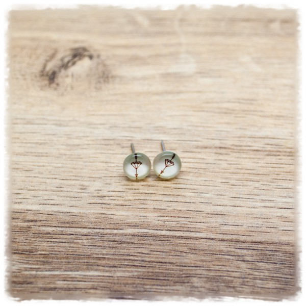 1 Paar Ohrstecker 8 mm mit Pfeil und Diamant