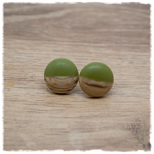 1 Paar Ohrstecker in 16 mm matt grün mit Holzdekor