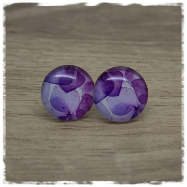 1 Paar Ohrstecker mit lila Blütenblättern