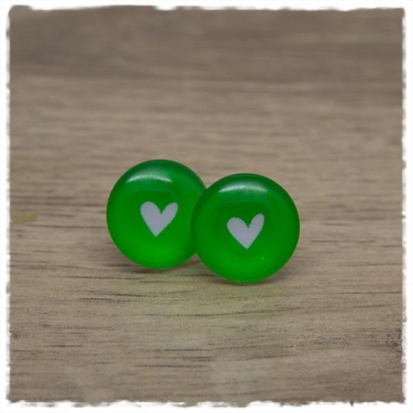 1 Paar Ohrstecker in 16 mm mit Herz auf grünem Hintergrund