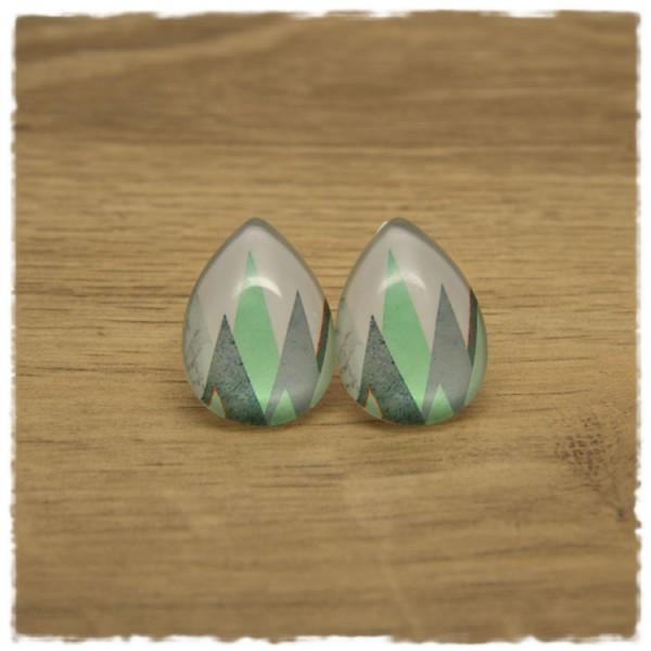 1 Paar große Ohrstecker in Tropfenform weiß, grau und hellgrün gemustert